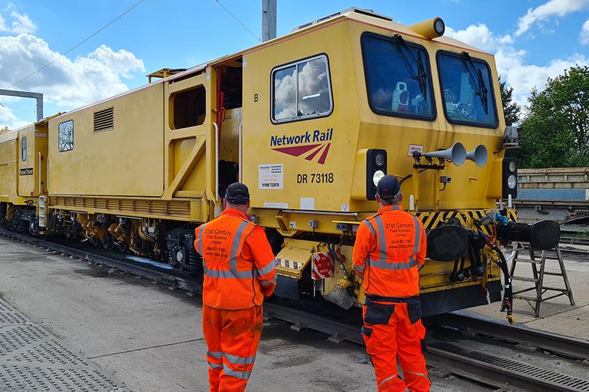 Connected rail fleets